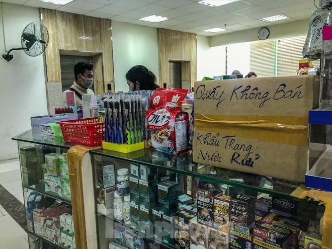 Giữa cơn sốt, chợ thuốc Hapulico đồng loạt treo biển 'không bán khẩu trang' Ảnh 10