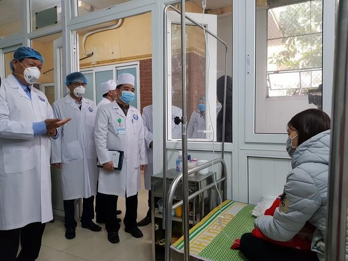 Phát hiện thêm 2 ca, Việt Nam có 12 người nhiễm virus corona Ảnh 1