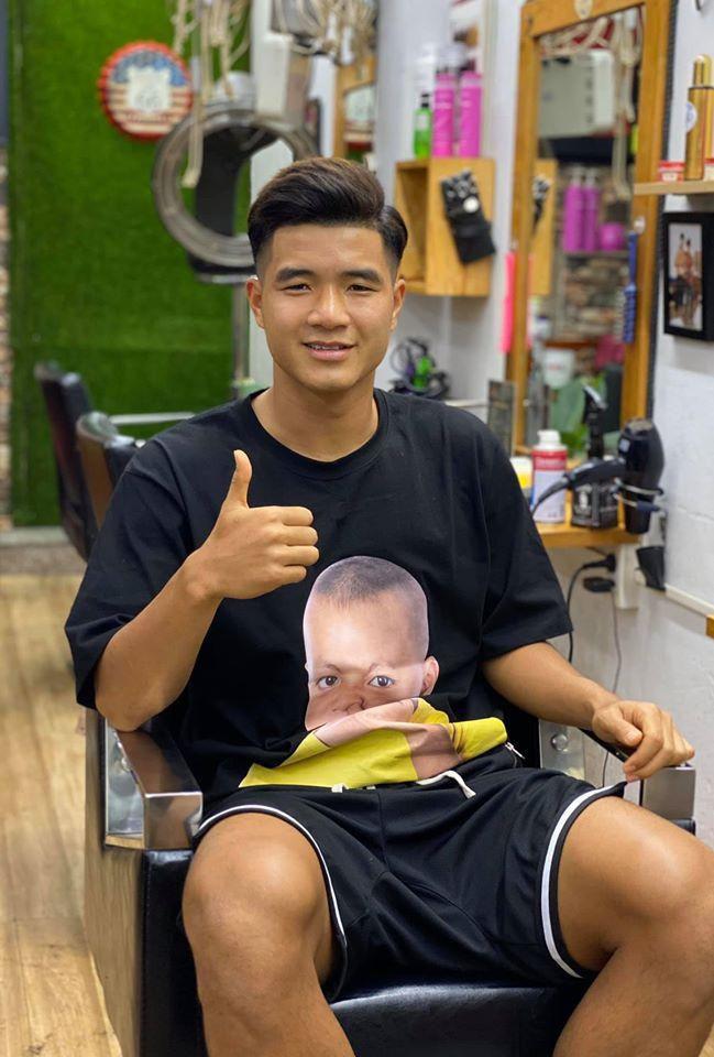 Hà Đức Chinh khoe ảnh tóc mới, tự nhận mình đẹp trai Ảnh 1