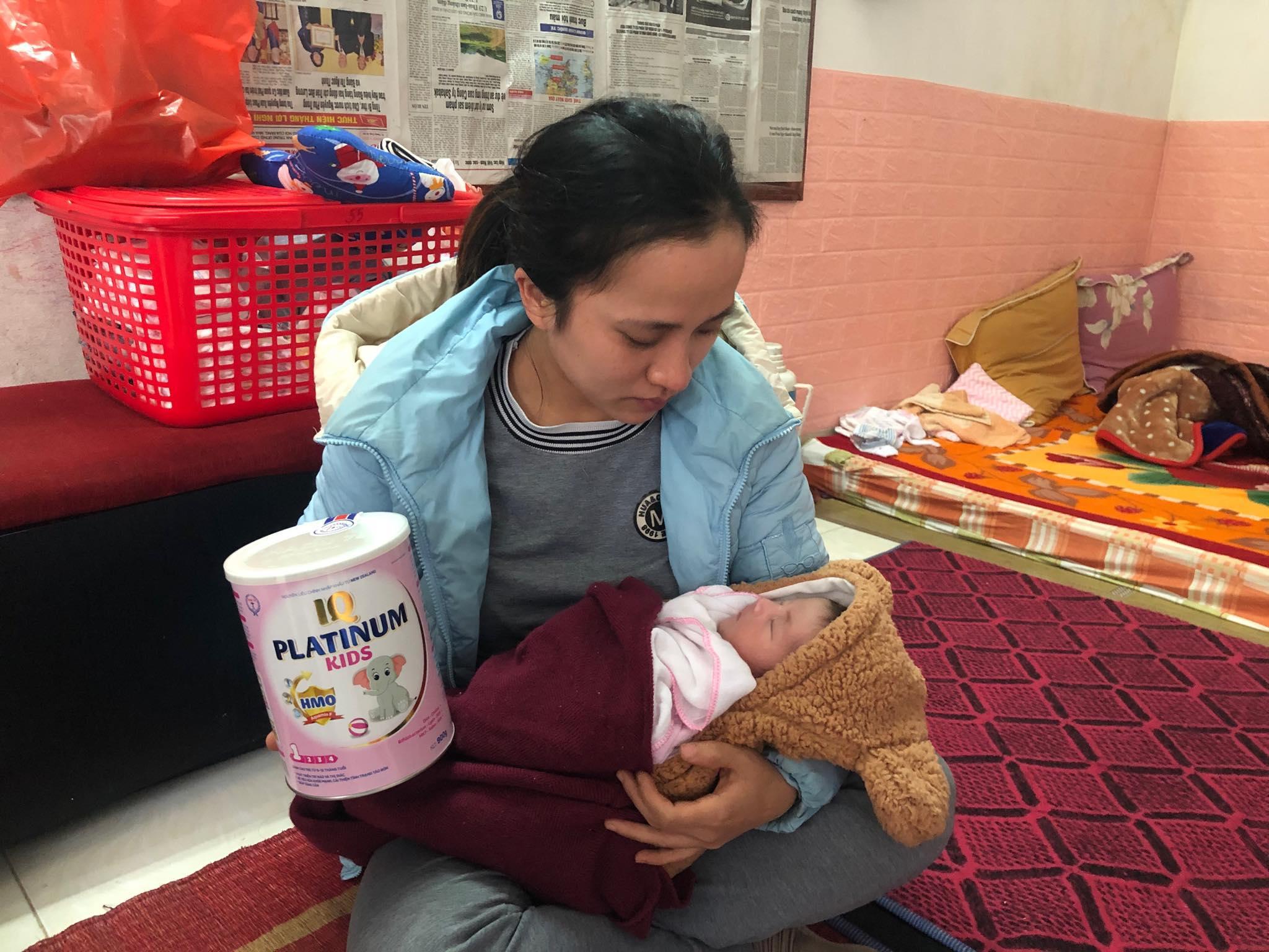 Thắt lòng hoàn cảnh bé gái vừa khóc chào đời đã mồ côi cả cha lẫn mẹ Ảnh 7