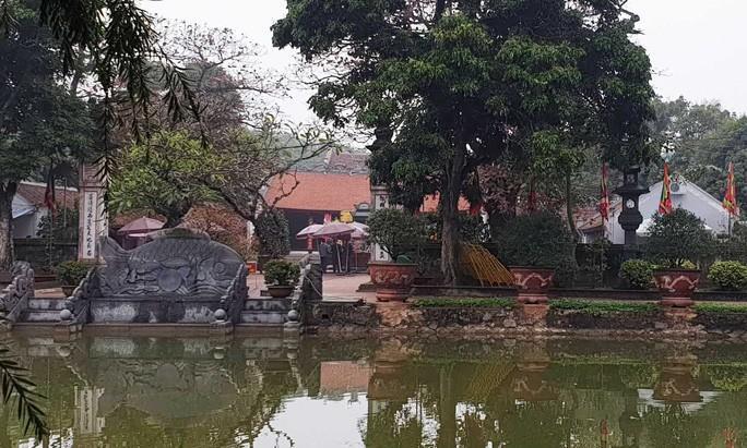 Không tổ chức Khai Ấn, đền Trần vắng vẻ đến ngỡ ngàng Ảnh 6