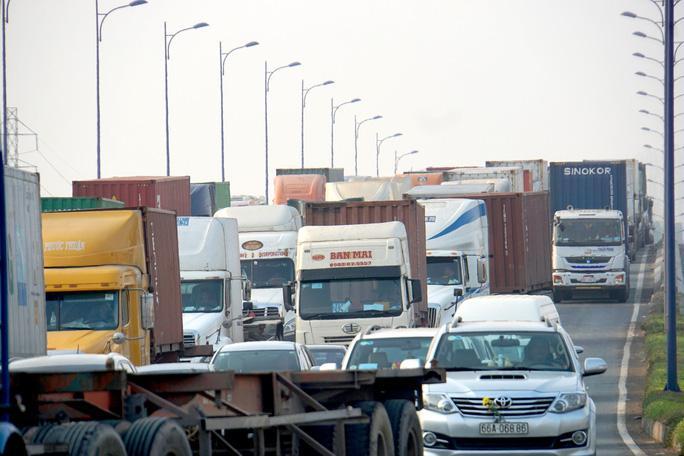 TP HCM gấp rút nghiên cứu hạn chế xe chở hàng lưu thông vào ban ngày Ảnh 2