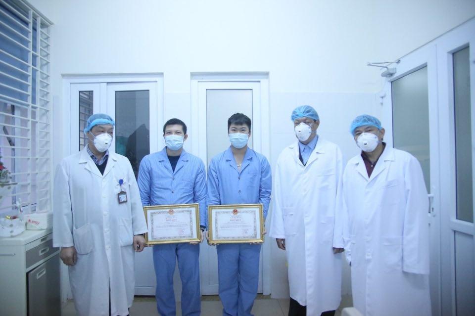 Bộ Y tế trao Bằng khen tặng tập thể, cá nhân có thành tích xuất sắc trong phòng chống dịch nCoV Ảnh 2