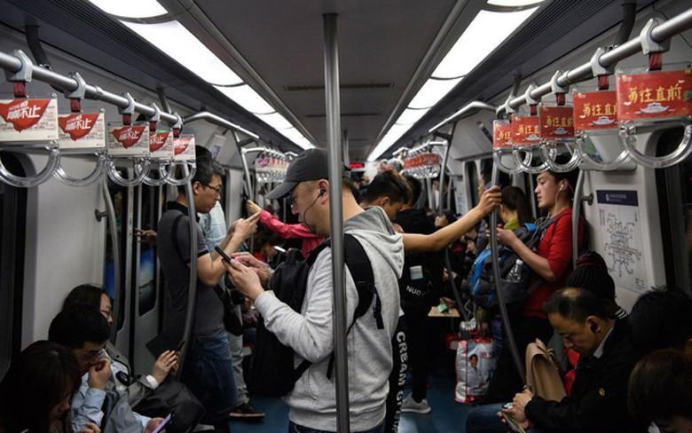 Những đô thị nhộn nhịp của Trung Quốc hóa 'thành phố ma' vì nCoV Ảnh 2