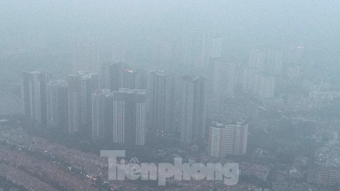 Trời Hà Nội mù mịt sương, độ ẩm trong không khí tăng cao Ảnh 4