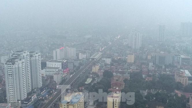 Trời Hà Nội mù mịt sương, độ ẩm trong không khí tăng cao Ảnh 10