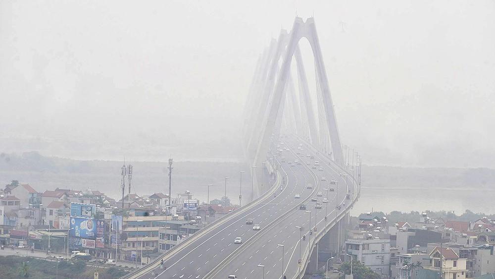 Trời Hà Nội mù mịt sương, độ ẩm trong không khí tăng cao Ảnh 6