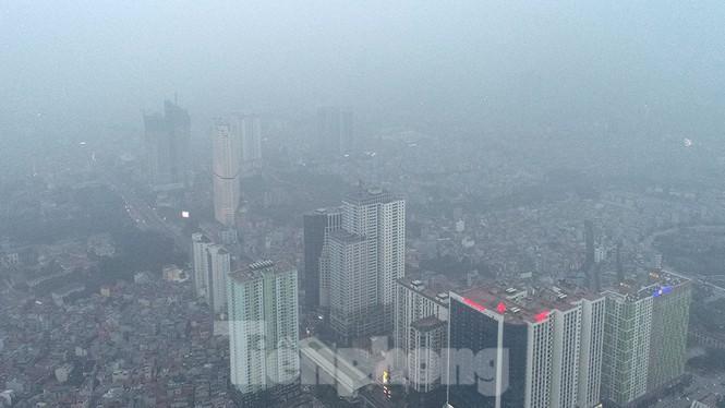 Trời Hà Nội mù mịt sương, độ ẩm trong không khí tăng cao Ảnh 7