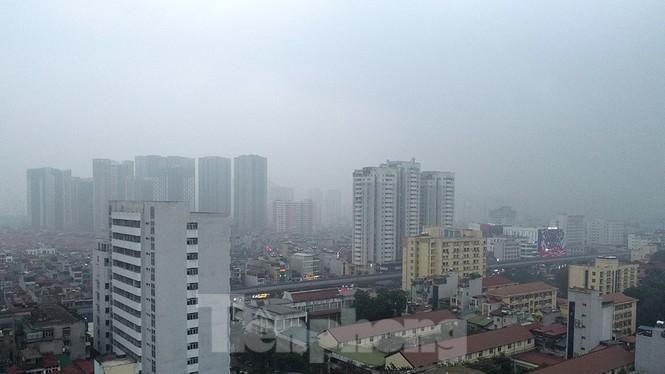 Trời Hà Nội mù mịt sương, độ ẩm trong không khí tăng cao Ảnh 3