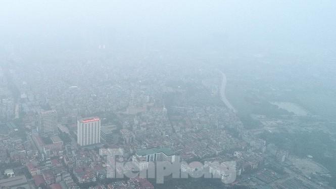 Trời Hà Nội mù mịt sương, độ ẩm trong không khí tăng cao Ảnh 1