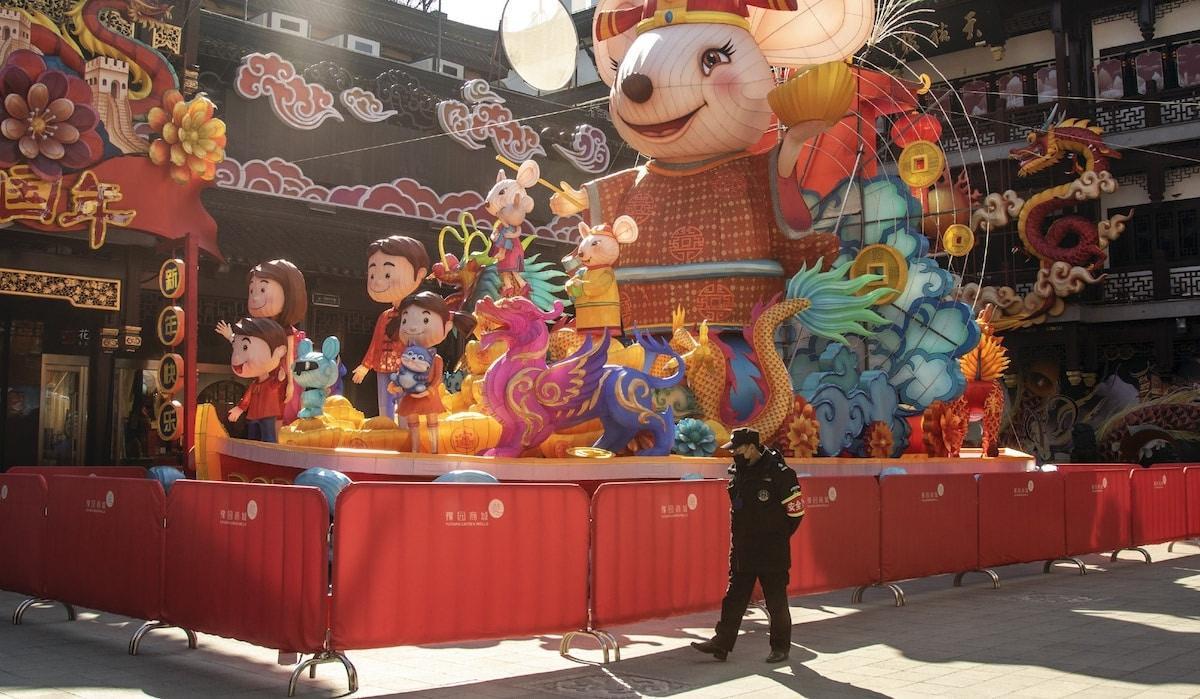 Thành phố Thượng Hải ' không bao giờ ngủ' bỗng thành 'thị trấn ma' giữa đại dịch virus corona Ảnh 13
