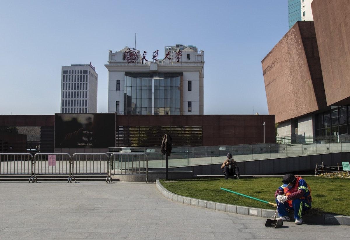 Thành phố Thượng Hải ' không bao giờ ngủ' bỗng thành 'thị trấn ma' giữa đại dịch virus corona Ảnh 16