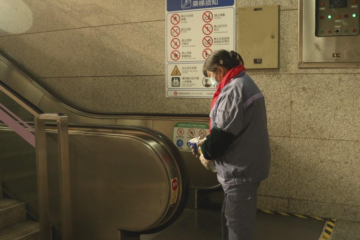 Thành phố Thượng Hải ' không bao giờ ngủ' bỗng thành 'thị trấn ma' giữa đại dịch virus corona Ảnh 20