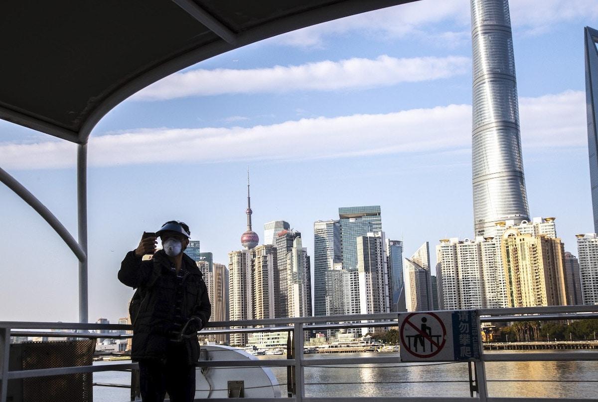 Thành phố Thượng Hải ' không bao giờ ngủ' bỗng thành 'thị trấn ma' giữa đại dịch virus corona Ảnh 17