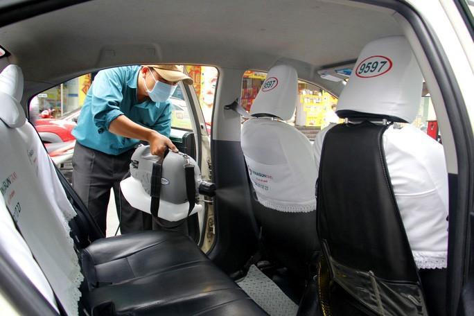 Nhân viên văn phòng Vinasun tự nguyện giảm lương để chia sẻ khó khăn với lái xe taxi Ảnh 3