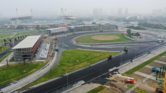 Cận cảnh không khí gấp rút thi công hạ tầng phục vụ Giải F1 Ảnh 23