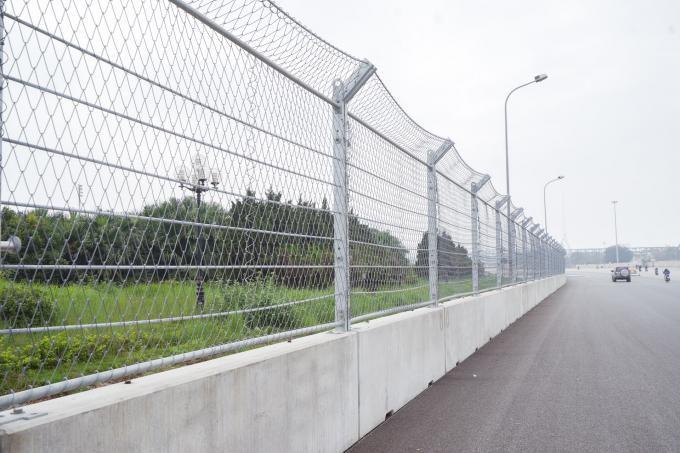 Cận cảnh không khí gấp rút thi công hạ tầng phục vụ Giải F1 Ảnh 10
