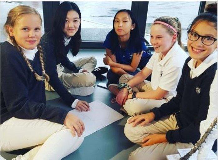 Con gái Vương Phi - Lý Yên tự tin khoe phong cách trưởng thành, gợi cảm khi chỉ mới 13 tuổi Ảnh 7