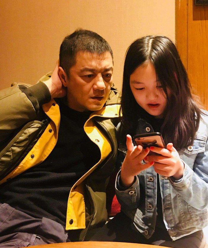 Con gái Vương Phi - Lý Yên tự tin khoe phong cách trưởng thành, gợi cảm khi chỉ mới 13 tuổi Ảnh 4