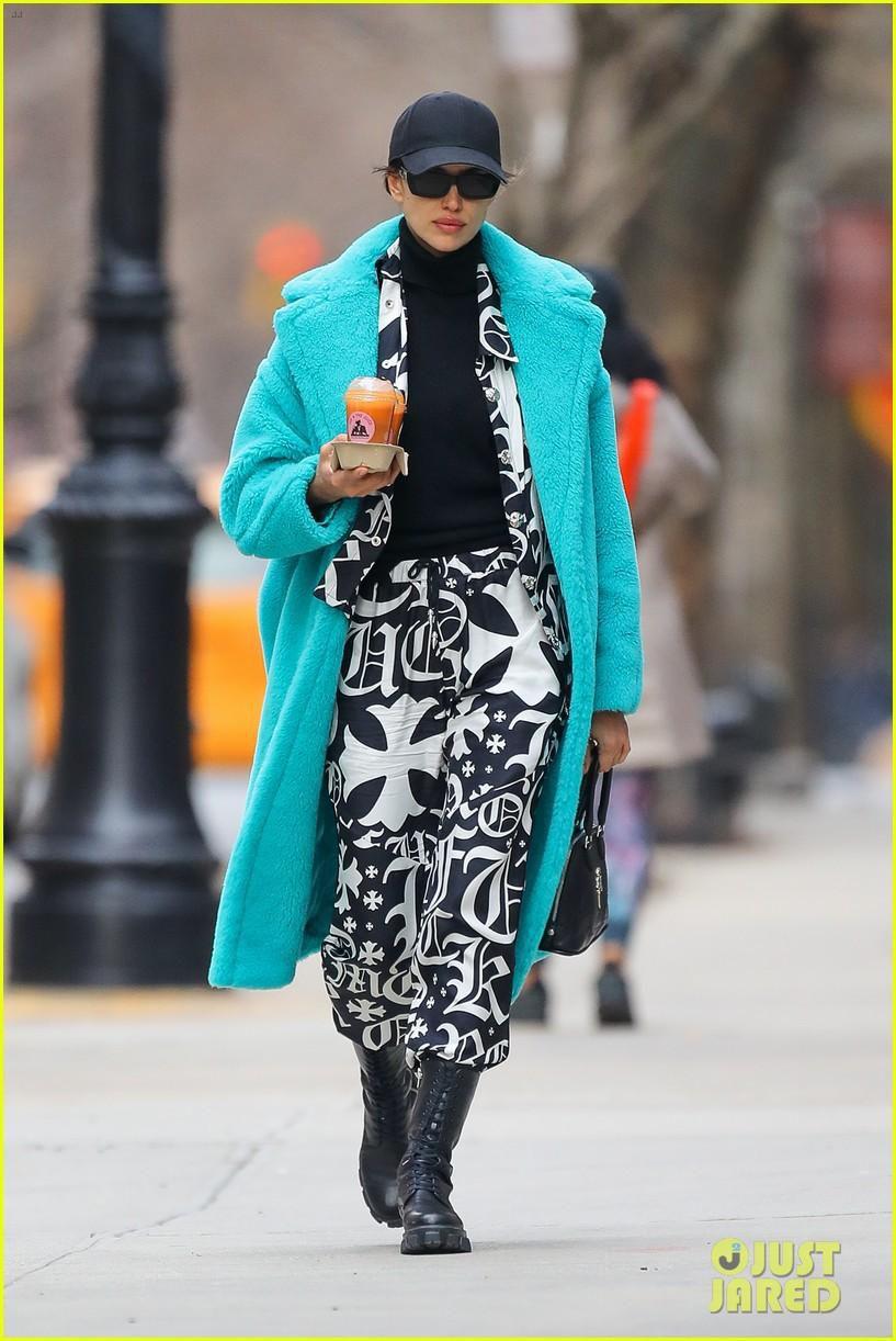 Irina Shayk đẹp hút mắt khi ra phố trong tiết trời giá lạnh Ảnh 3