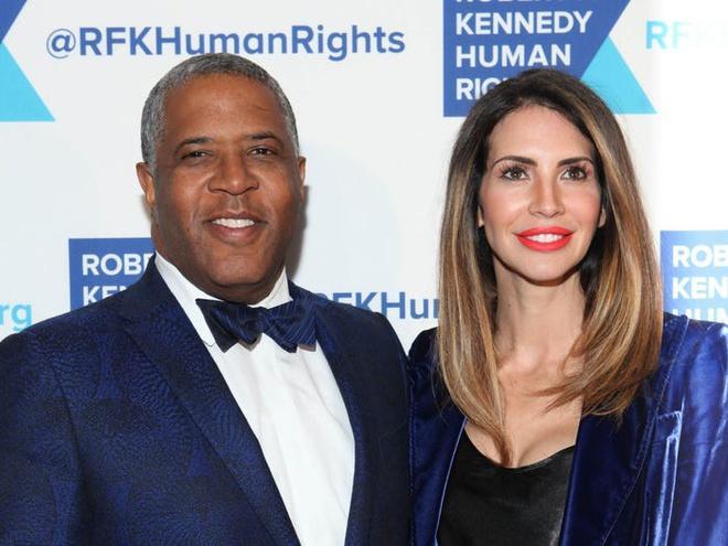 Tỷ phú da màu giàu nhất Mỹ có vợ là người mẫu Playboy Ảnh 6