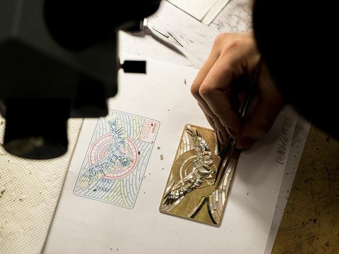 Thẻ tín dụng làm từ kim cương và vàng của giới siêu giàu Ảnh 1