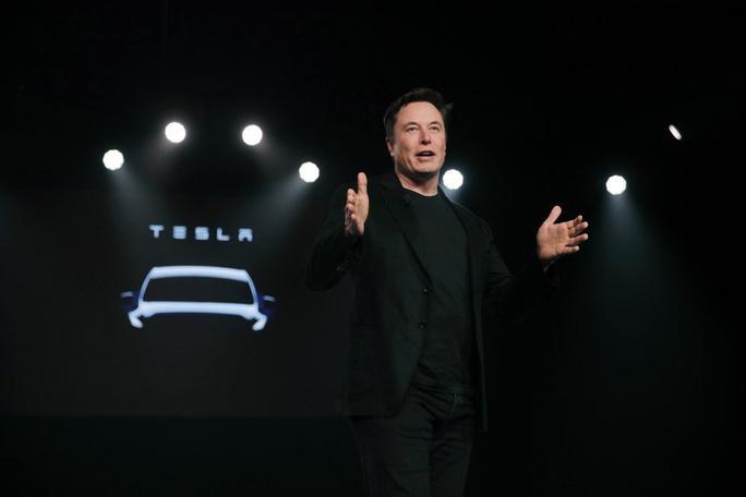 Khen ngợi Tesla, tỉ phú Bill Gates vẫn... ê chề Ảnh 1