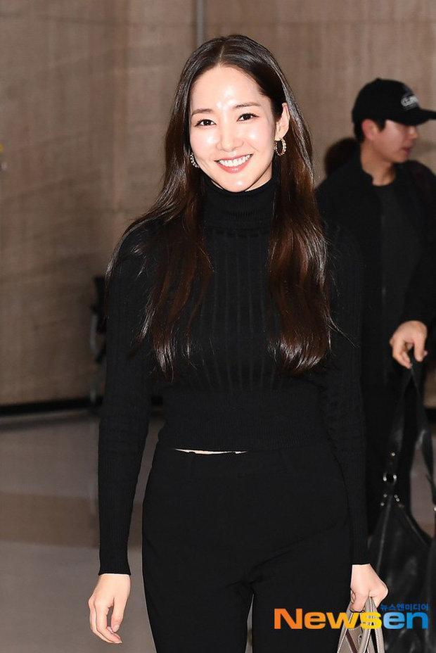 'Mỹ nhân dao kéo' Park Min Young liên tục biến sân bay thành sàn diễn thời trang Ảnh 5