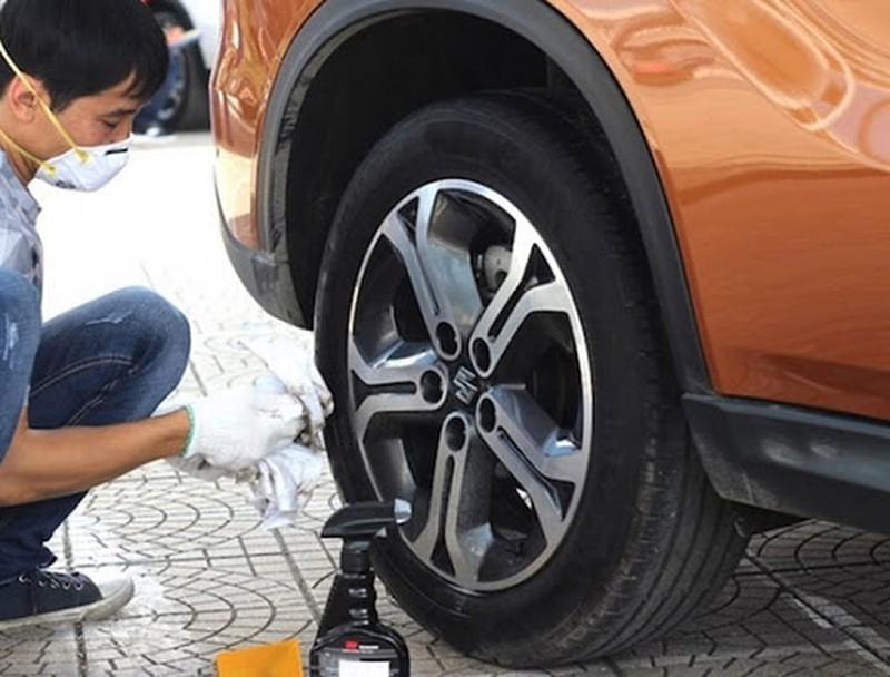 Bơm lốp xe bằng khí nitơ có thật sự tiện lợi? Ảnh 2