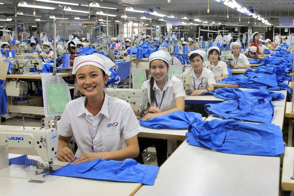 Vietnam's yarn, textile and garment industry: Why do things stand on the brink of bankruptcy? Ảnh 1