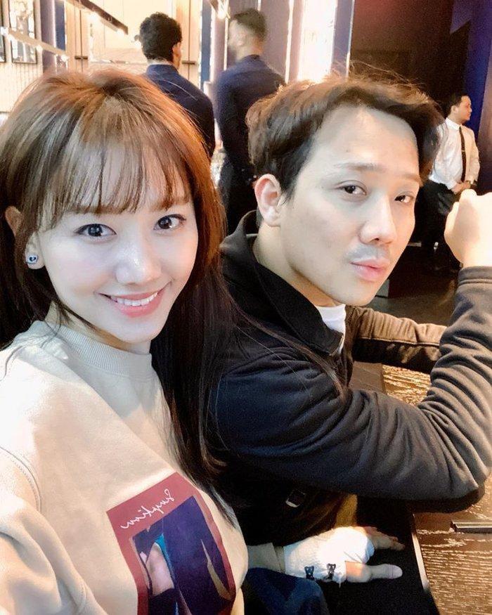 Hari Won khiến fan bất ngờ khi chơi hẳn tóc ombre tông tím lịm chất hơn nước cất Ảnh 6