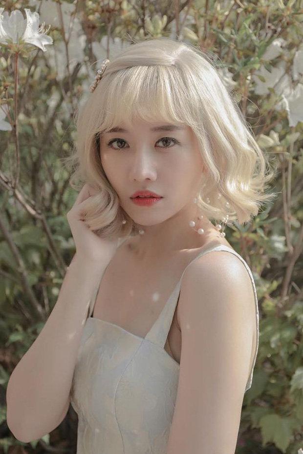 Hari Won khiến fan bất ngờ khi chơi hẳn tóc ombre tông tím lịm chất hơn nước cất Ảnh 7
