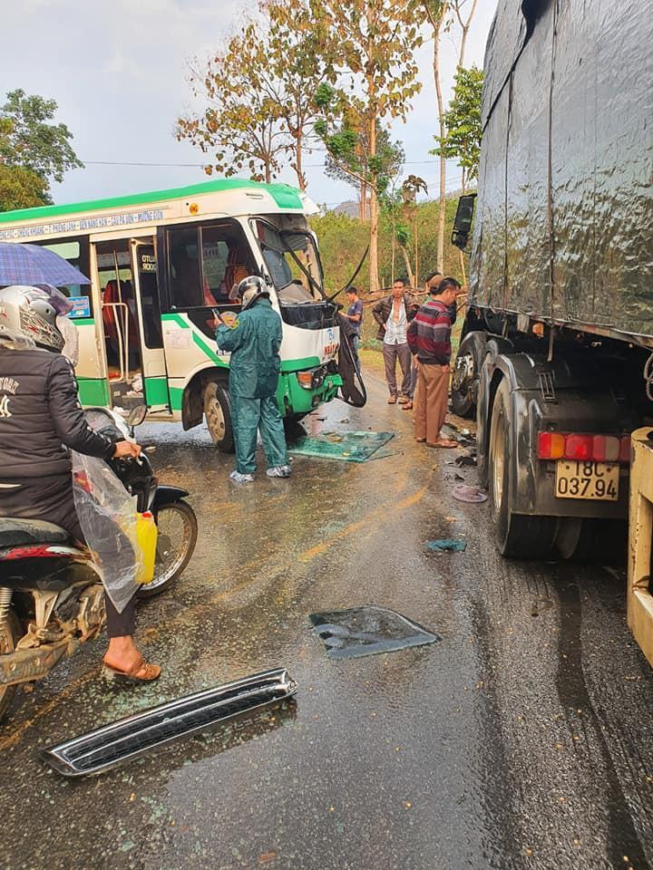 Sơn La liên tiếp 2 vụ tai nạn xảy ra do trời mưa, đường trơn trượt Ảnh 3