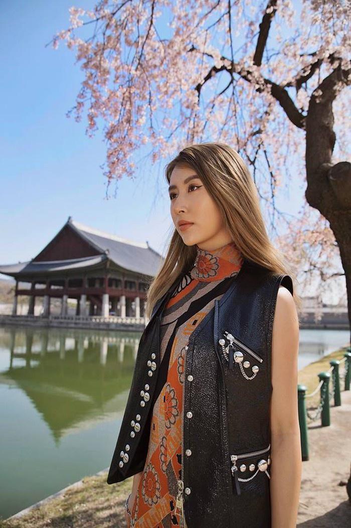 Quỳnh Anh Shyn - từ hot girl Hà thành đến fashionista có style độc lạ Ảnh 19