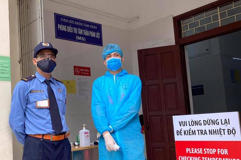 Khẩn trương rà soát danh sách bệnh nhân khám tại Bệnh viện Bạch Mai từ ngày 10/3 Ảnh 1
