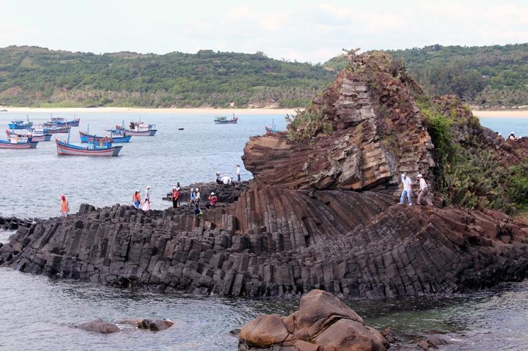 Phú Yên: Kỳ thú những 'gành Ðá Ðĩa' và dự án công viên địa chất toàn cầu Ảnh 1