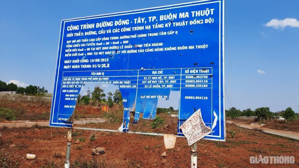 Đắk Lắk: Cận cảnh đại lộ nghìn tỷ thi công dang dở, chằng chịt vết nứt Ảnh 1