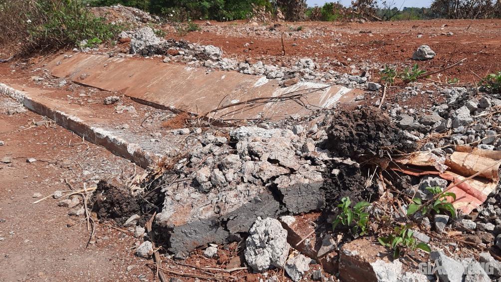 Đắk Lắk: Cận cảnh đại lộ nghìn tỷ thi công dang dở, chằng chịt vết nứt Ảnh 7