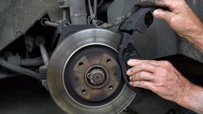 Thời điểm vàng cần phải thay thế phanh đĩa ô tô? Ảnh 2
