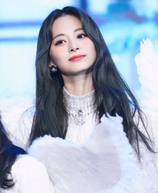 Netizen xôn xao đối thủ nhan sắc của 2 nữ thần Kpop Irene, Tzuyu: Không phải mỹ nhân BLACKPINK mà lại là tân binh? Ảnh 19