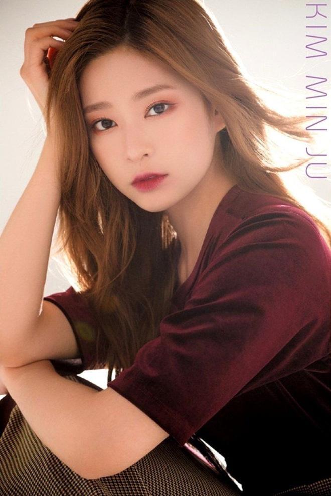 Netizen xôn xao đối thủ nhan sắc của 2 nữ thần Kpop Irene, Tzuyu: Không phải mỹ nhân BLACKPINK mà lại là tân binh? Ảnh 16