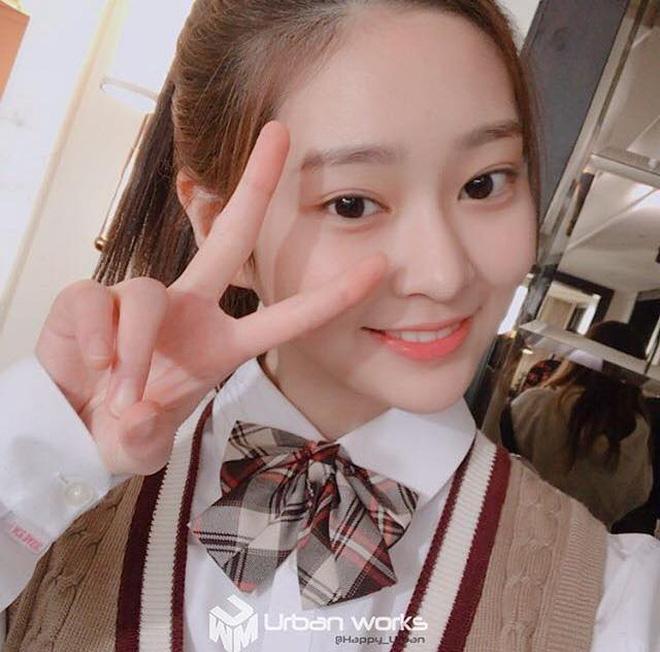 Netizen xôn xao đối thủ nhan sắc của 2 nữ thần Kpop Irene, Tzuyu: Không phải mỹ nhân BLACKPINK mà lại là tân binh? Ảnh 14