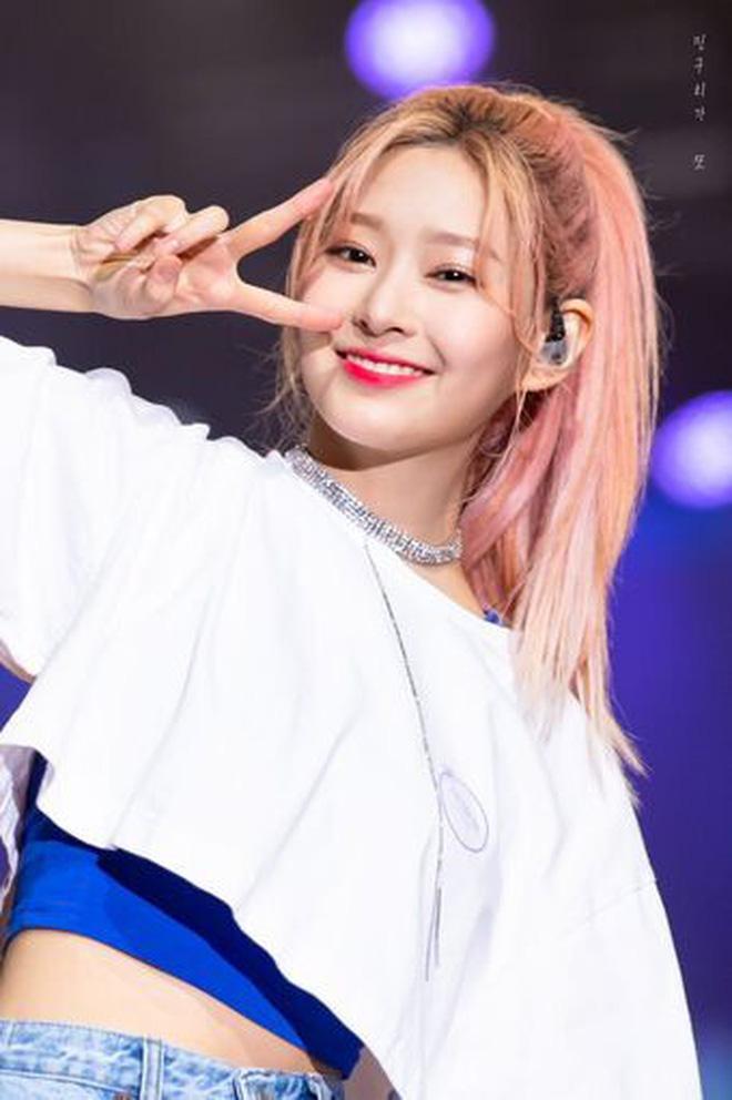 Netizen xôn xao đối thủ nhan sắc của 2 nữ thần Kpop Irene, Tzuyu: Không phải mỹ nhân BLACKPINK mà lại là tân binh? Ảnh 5