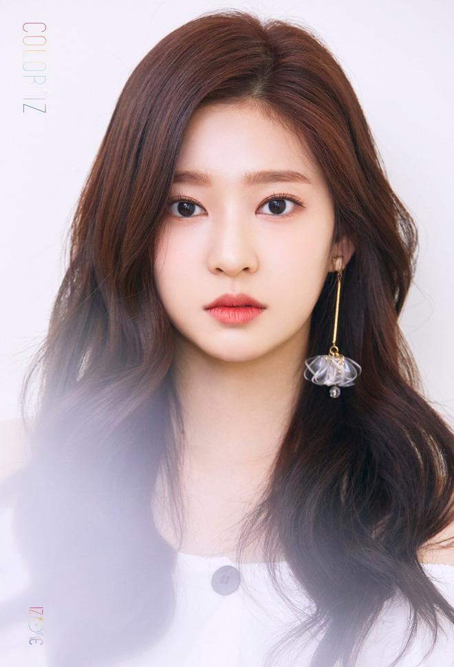 Netizen xôn xao đối thủ nhan sắc của 2 nữ thần Kpop Irene, Tzuyu: Không phải mỹ nhân BLACKPINK mà lại là tân binh? Ảnh 1