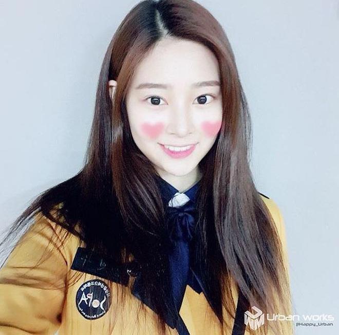 Netizen xôn xao đối thủ nhan sắc của 2 nữ thần Kpop Irene, Tzuyu: Không phải mỹ nhân BLACKPINK mà lại là tân binh? Ảnh 13