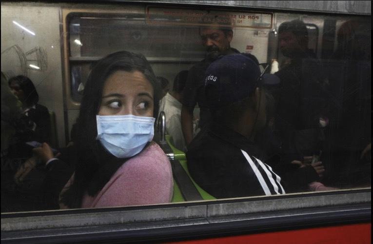 'Bảo bối' của người dùng tàu xe công cộng thời dịch Covid-19 Ảnh 4