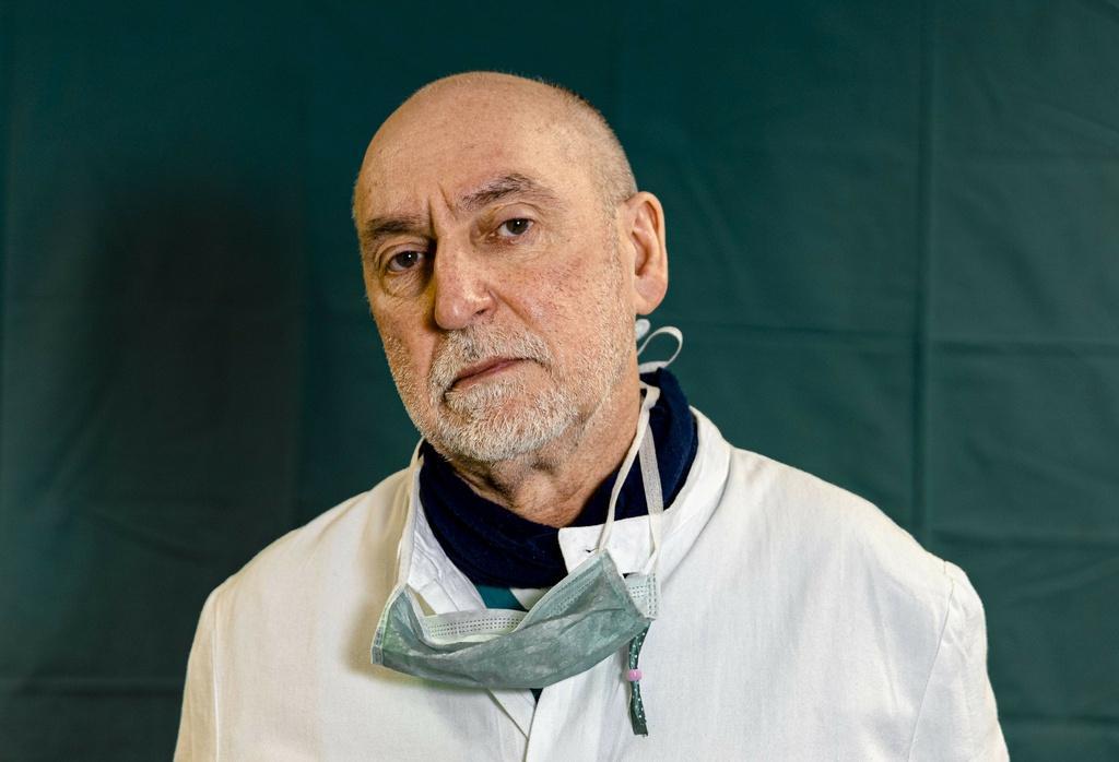 Dấu vết cuộc chiến chống virus hằn sâu trên gương mặt bác sĩ Italy Ảnh 15
