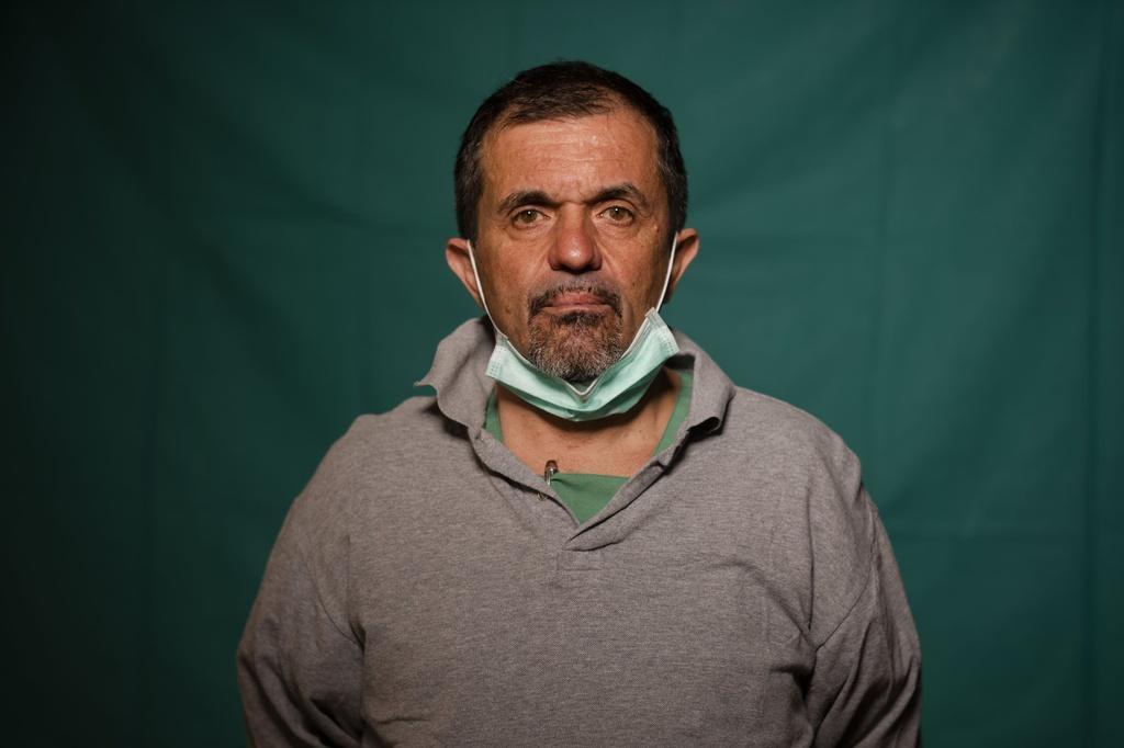 Dấu vết cuộc chiến chống virus hằn sâu trên gương mặt bác sĩ Italy Ảnh 5
