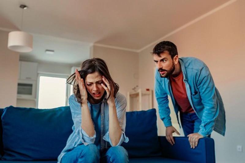 Người tình của tôi đang dọa cho chồng tôi biết tất cả, tôi phải làm sao? Ảnh 1