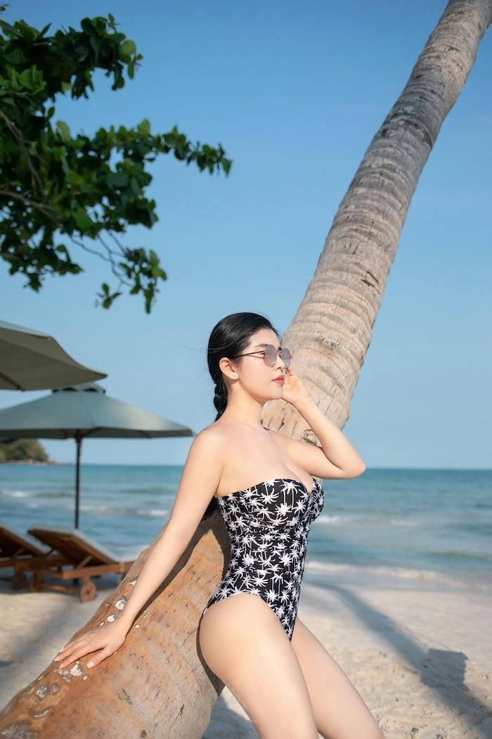 Hotgirl Lê Mai Sang đốt cháy người nhìn bằng bộ sưu tập bikini chào hè Ảnh 7